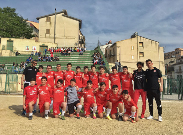 I giovanissimi del settore calcio del Città di Nicosia vincono il campionato Giovanissimi