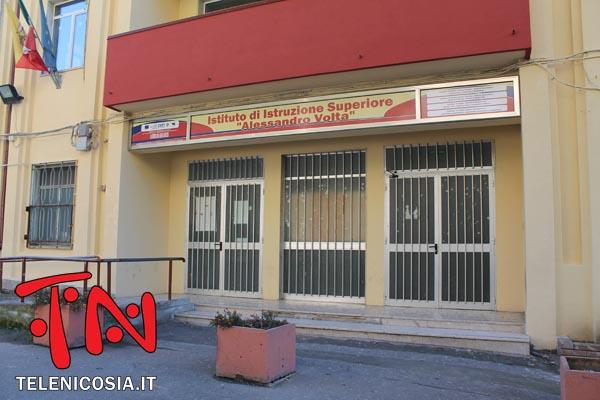 Nicosia, per il trasferimento dell'Istituto Alessandro Volta non convince la nuova destinazione dell'ex hotel Pineta