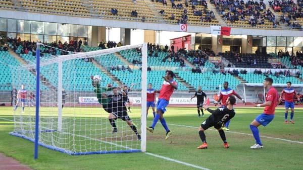 Calcio serie D, sconfitta del Troina contro la capolista Bari