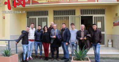 Visita della parlamentare regionale Elena Pagana all'Istituto Superiore Alessandro Volta di Nicosia – VIDEO