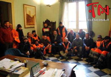 Nicosia, il Comune ha pagato due mensilità agli operatori ecologici della Multiecoplast