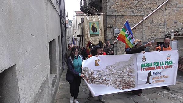 """In onore di San Felice, si è svolta tra Nicosia e Mistretta la prima """"Marcia per la Pace e l'Armonia con il Creato"""" – VIDEO"""